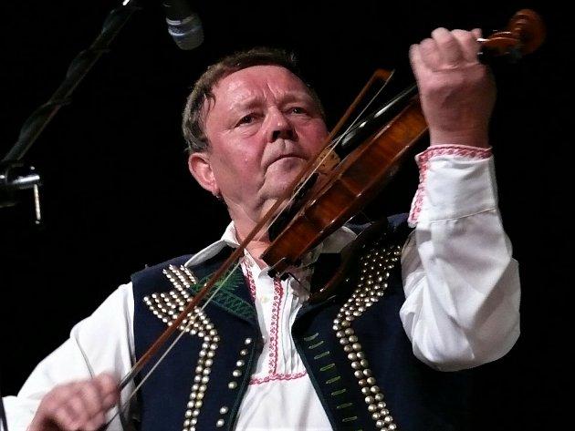 Koncert Legendy moravského folkloru vUh. Brodě (2012).