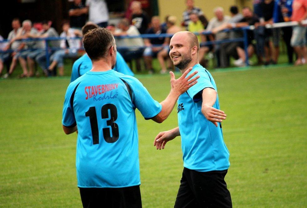 Fotbalisté Jarošova porazili Sušice (v modrém) 3:1.