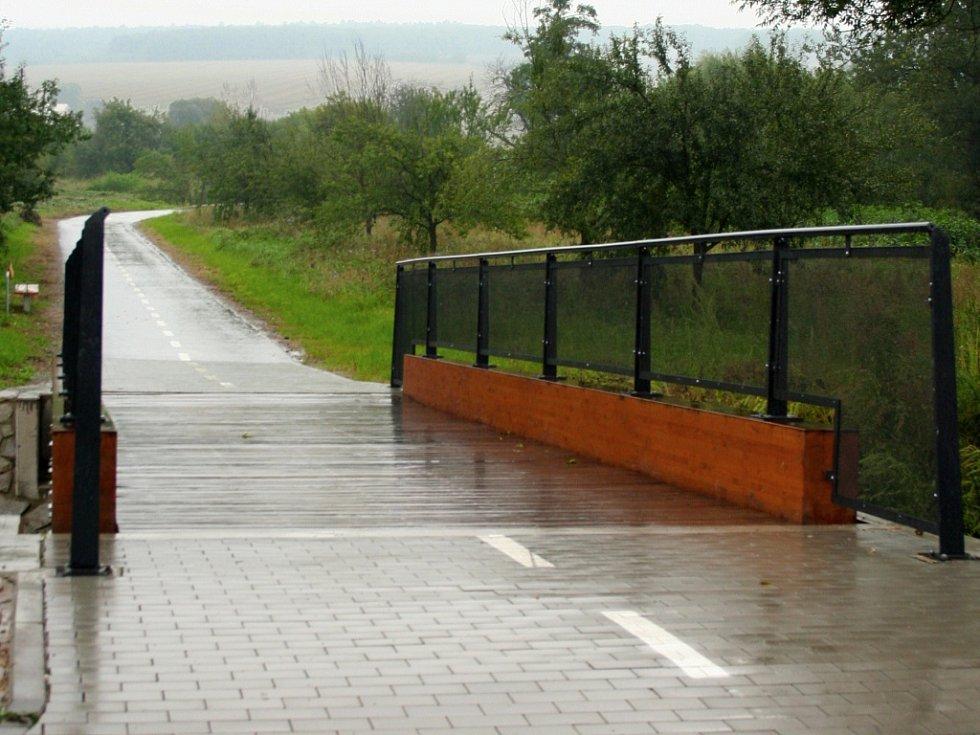Cyklostezka v Újezdci u Luhačovic. Ilustrační foto.