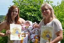 Miminka z kitu, které tvoří Monika Chmelařová zPolešovic, jsou knerozeznání od těch živých novorozenců. Právem byly vNěmecku oceněny medailemi.