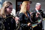 SETKÁNÍ. Myslivečtí trubači zrůzných koutů Moravy koncertovali vBoršicích a Véskách, ale také degustovali 61 vzorků vína.