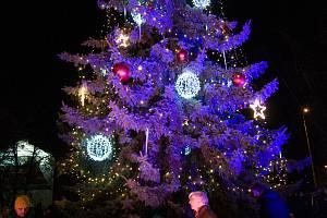 Rozsvícení vánočního stromu v Tupesích bude mít na starost Mikuláš.