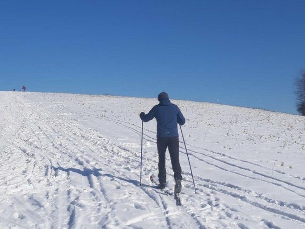 Machnáč je místo s nejkrásnějším výhledem na Kopanice a okolí. Jeho nadmořská výška je 771 metrů. Je to také nejvyšší vrchol slovenské obce Drietoma.