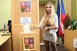 I čerstvě osmnáctiletá Ludmila Bartlová šla v Hostějově k volební urně.