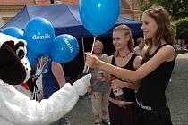 Všudypřítomné modré balonky s logem Deníku byly vítaným dárkem.