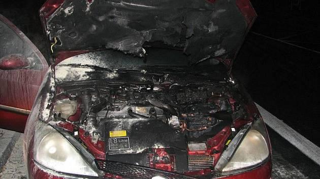 Požár Fordu Focus v Uhreském Hradišti