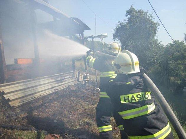 Požár rodinného domku s přístavkem na Žítkové.