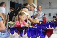 Sklárny pozvaly v sobotu dopoledne návštěvníky do provozu.
