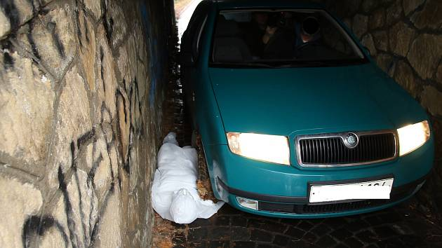 Vážná nehoda v myší díře v Uherském Hradišti - 4. prosince 2018 proběhl na místě činu vyšetřovací pokus