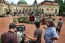 Režisér Zdeněk Troška od soboty 7. srpna natáčí v areálu buchlovického zámku svou novou filmovou pohádku Čertova nevěsta.