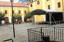 Uherské Hradiště bude mít o Vánocích umělé kluziště. Instalováno bude na nádvoří bývalé Jezuitské koleje.