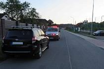 V úterý 10. srpna mezi 14. a 19. hodinou poškodil prozatím neznámý pachatel u koupaliště v Bojkovické ulici Tovární zaparkovaný automobil značky Toyota RAV4 černé barvy a způsobil tak majiteli vozu škodu dvacet tisíc korun.