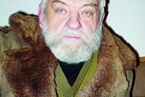 Na protest proti sovětské okupaci si nechal narůst vousy, které nosí dodnes.