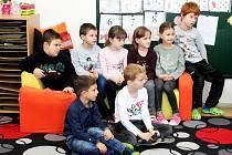 Prvňáčci kudlovické malotřídní školy rodinného typu.