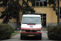 Řada vládních reformních kroků dopadá na občany v areálech nemocnic.