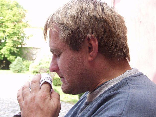 Slávek Hanáček bojuje s ptačí chřipkou.