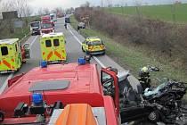 U nehody nedaleko obce Zlechov musel v úterý 15. března zasahovat i vrtulník.
