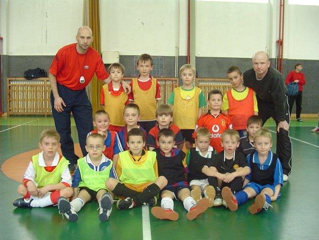 Přípravka 1. FC Slovácko (hráči ročník narození 2000) ve svém stávajícím složení čeká na nvoé členy kolektivu.