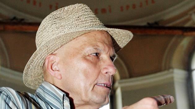 Jan  Přeučil ztvárnil ve filmu Jméno krutého velitele věznice.