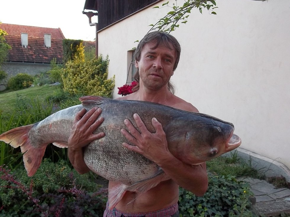 Soutěžní číslo 105 – Petr Mareček, tolstolobik, 100 cm, 30 kg.