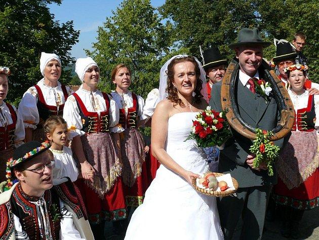 Novomanželé Zapletalovi.