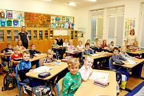 Prvňáčci zvelehradské školy.