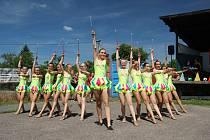 Dětský den ve Vlčnově prozářilo vystoupení pěti skupin mažoretek.