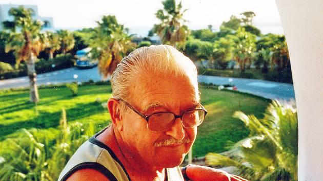 Devětasedmdesátiletý kapelník Jan Bednář.