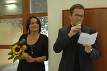 Přímo v den narozenin fotografky Alžběty Šáchové, ve středu 28. srpna, byla v přízemí Reduty v Uherském Hradišti zahájena výstava jejích reportážních fotografií s názvem Dětci.