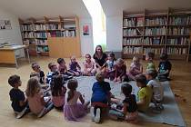 Školní knihovna pro prvňáčky.