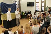 Děti se mohly do knihovny zaregistrovat zdarma.
