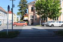Přechod pro chodce na třídě Maršála Malinovského u křižovatky s ulicí Boženy Němcové byl za rok 2019 vyhodnocen jako nejhorší z pohledu nehodovosti ve Zlínském kraji.