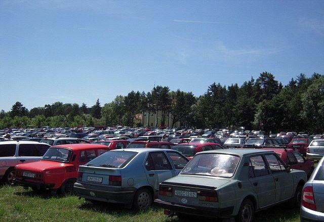 Zaplněné parkoviště