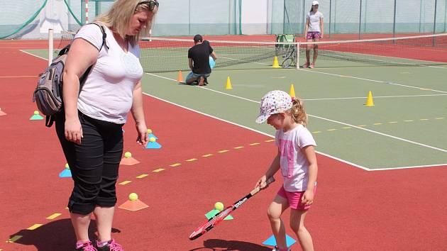 SPORT PRO DĚTI. Sobotní sportovní den pro děti přilákal na hradišťská sportoviště na 3000 návštěvníků.