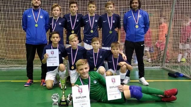 Mladší žáci Slovácka kategorie U13 se pod vedením trenérů Jiřího Perútky a Martina Kozla stali mistry České republiky v halovém fotbale.