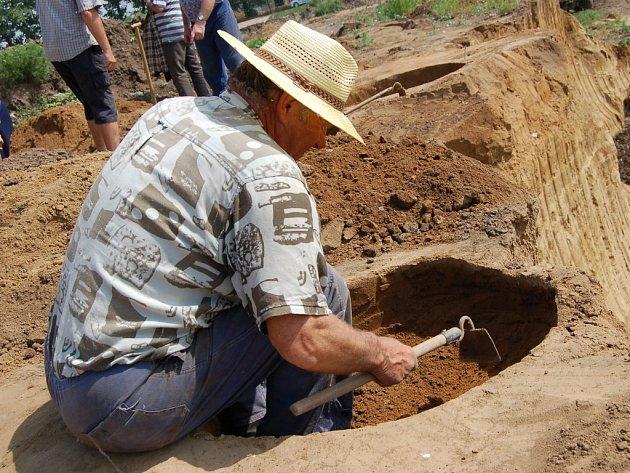 Archeologický průzkum v polešovické pískovně.