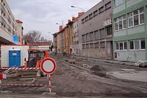 Oprava Dvořákovy ulice, která začala na konci září, by měla během několika dnů být hotová.