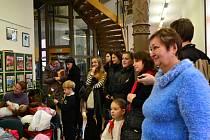 Do hradišťské knihovny přišlo v sobotu dopoledne na 200 dětí.