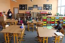 Vzdělávací pedagogický systém Montessori nabízí jinou formu výuky.
