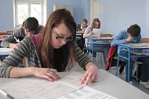 Deváťáci se zapotili u přijímacích zkoušek.