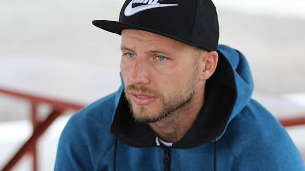 Obránce Michal Kadlec se v pátek představil na hřišti v Nivnici, kde fotbalisté Slovácka vyzvali slovenskou Sereď.