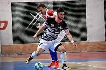 Futsalisté Uherského Hradiště prohráli v Edenu s favorizovanou Slavií Praha 5:8. Jakub Slaný mírnil porážku jednou brankou.