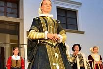 Slavnosti Přemysla Otakara II. v Uherském Ostrohu zahájila historická módní přehlídka