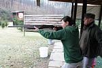 Jedinou ženou, která  absolvovala praktickou zkoušku na střelnici byla Michala Vaculínová z Uherského Brodu.