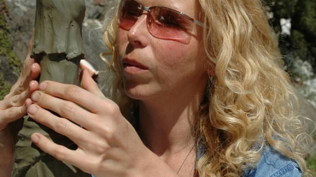 Nevidomá sochařka Mariana Machalová Jánošíková.
