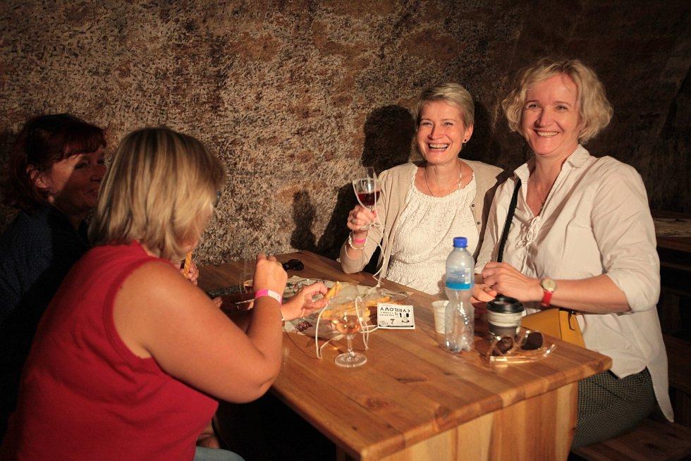 Slovácké slavnosti vína a otevřených památek 2021Putování vinohradskou ulicí.