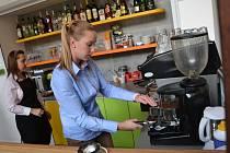 V nové kavárně vás obslouží hendikepovaní.