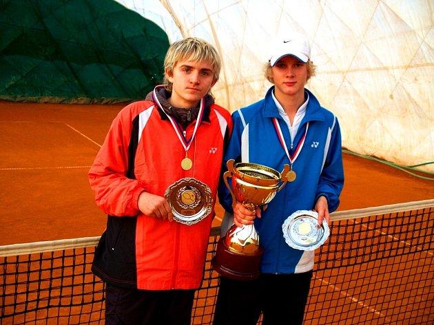 Mladí tenisté Sokola Uherský Brod David Krčmář a David Novák.