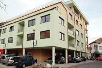 Po razantním zdražení starších bytů jsou lidé často ochotni kupovat i byty zcela nové.