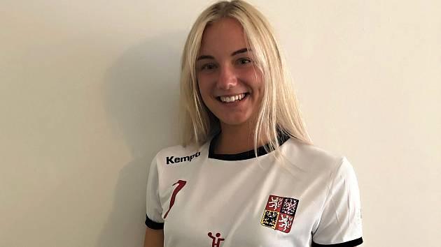 Šestnáctiletá házenkářka Kunovic Lucie Fleková exceluje v první lize žen.